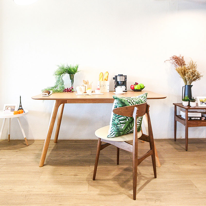 BAY TABLE AND PIXIE CHAIR SET