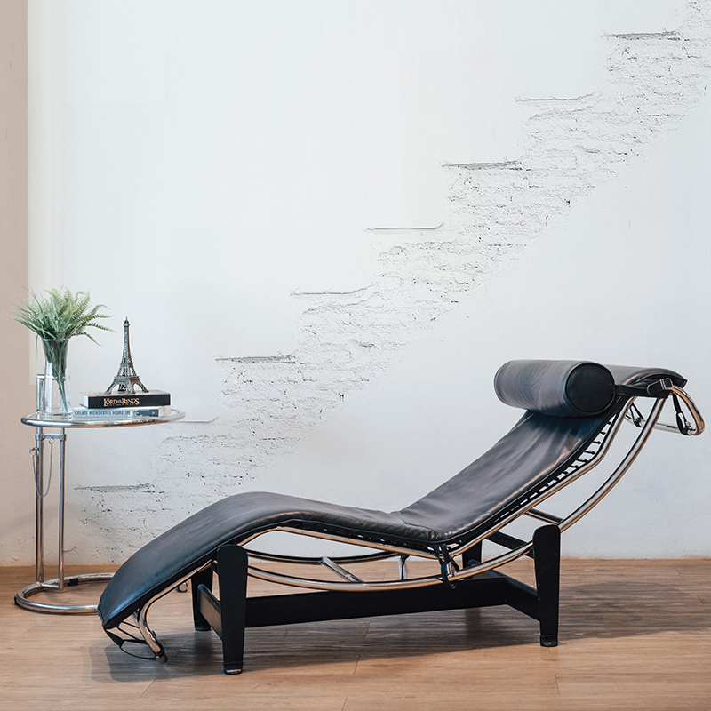 REPLICA LC4 CHAISE LOUNGE (HL) WITH REPLICA EILEEN GRAY SIDE TABLE SET